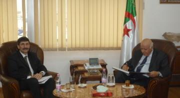 MI_signature_convention_algerie_mars2013_BLacroix